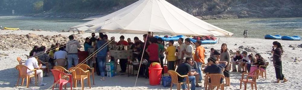 Food & Dining in Beach Camps